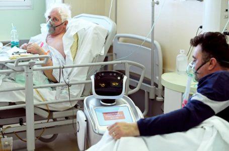 Indian Hospital Using Robot To Help Coronavirus Patients Combat Loneliness