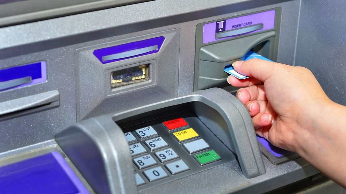 Dos And Don'ts Shared By SBI To Secure ATM Card And PIN Details