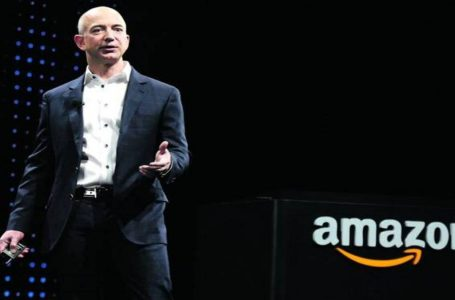 Billionaire Jeff Bezos is Stepping Down as Amazon CEO